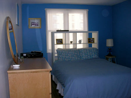 ask julia how do i decorate with blue carpet hooked on houses rh hookedonhouses net