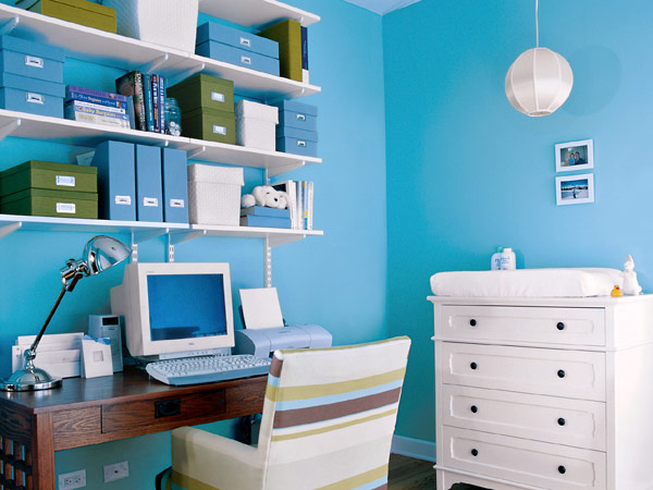 This teenage girl's room would be a little too sweet without the shot of ...