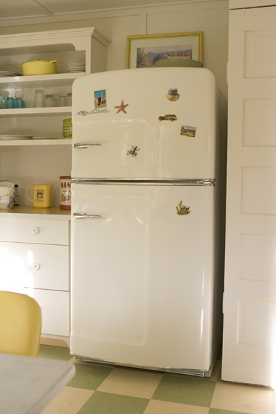 The Big Chill Cool Retro Refrigerators  Hooked On Houses. Desk In Living Room Houzz. Leather Living Room Chair. Living Room Decor Ideas Teal. Modular Living Room Furniture Usa. Living Room Hollywood Menu. Living Room Club Monte Carlo. Living Room Window Seat. Ikea Living Room Dining Room Ideas